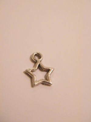 Star Outline Initial Necklaces - Charm Style